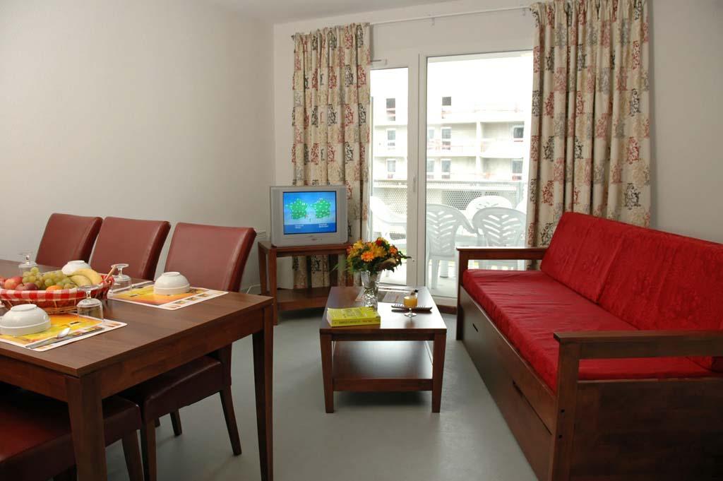 appartement aix les bains aix les bains lac du bourget 4 pi ces en r sidence proche lac du. Black Bedroom Furniture Sets. Home Design Ideas
