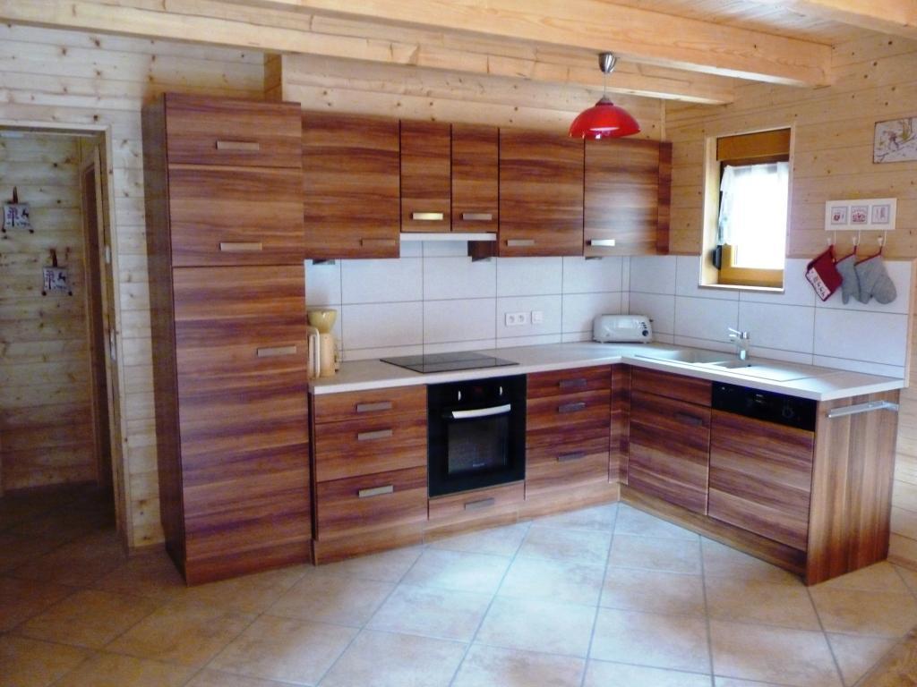 Maison chalet ch tel portes du soleil loue chalet hansel et gretel avec sauna et salle de for Cuisine montagne
