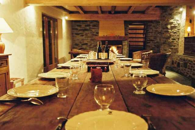 Maison chalet sainte foy tarentaise haute tarentaise for Table 16 personnes