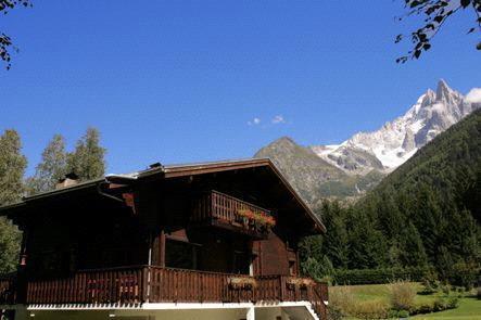Maison chalet chamonix mont blanc pays du mont blanc for Classement constructeur maison individuelle