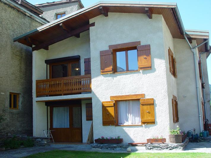 hebergement insolite bessans haute maurienne chalet d 39 alpage traditionnel 2400 m d. Black Bedroom Furniture Sets. Home Design Ideas